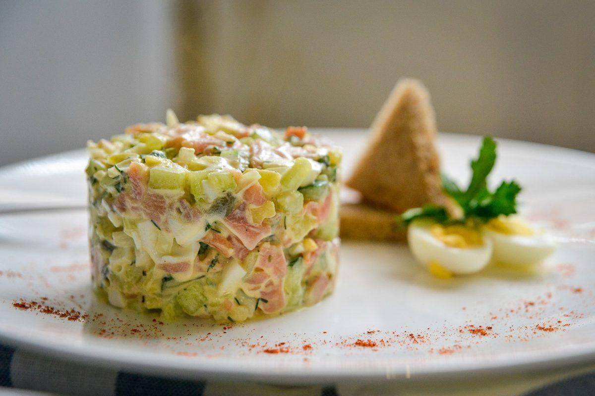 Russian cuisine: Traditional Russian dishes. Russian salad