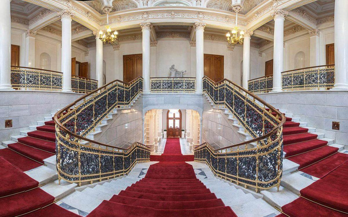 Museo de Fabergé. Escalera