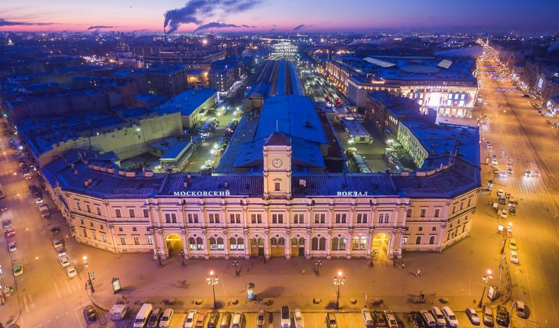 Best ways to get from Moskovsky railway station in St. Petersburg to hotel