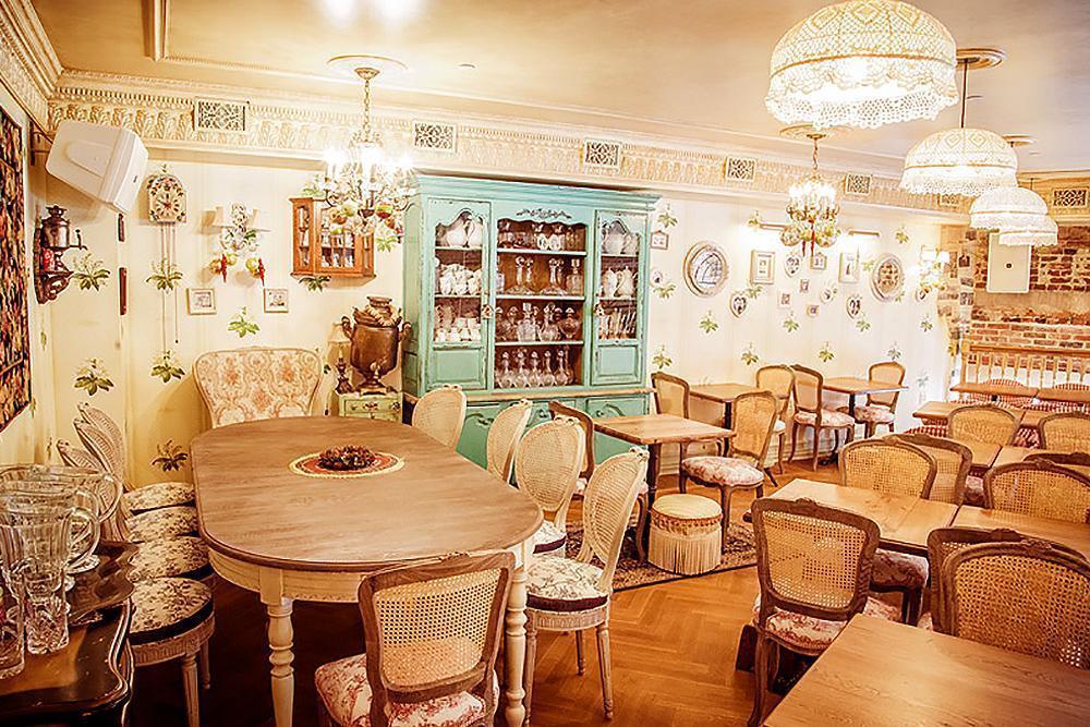Os melhores restaurantes em São Petersburgo. Marivanna