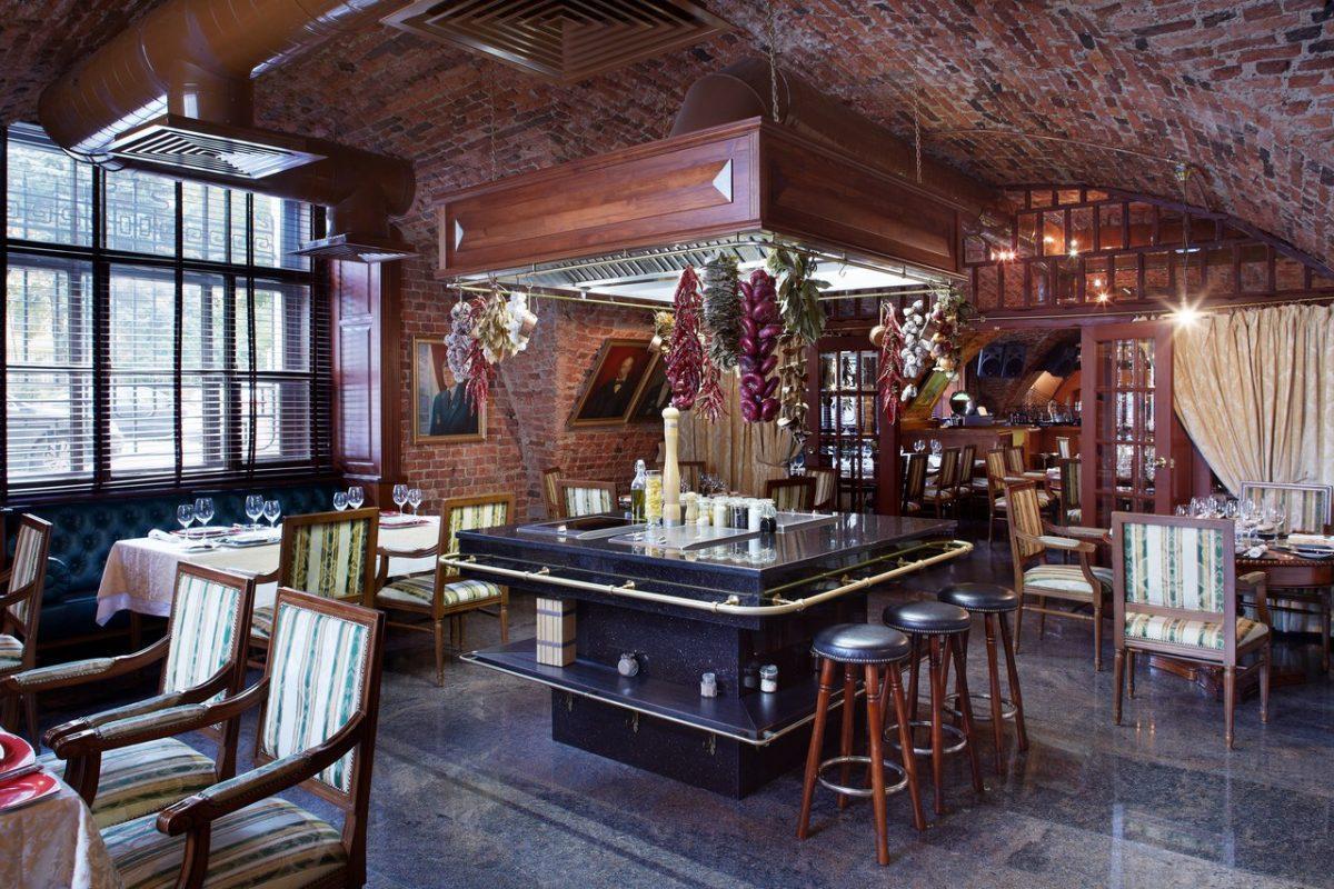 Os melhores restaurantes em São Petersburgo. Staraya Tamozhnya