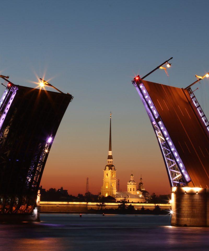 Que ver y hacer en San Petersburgo. Apertura de los puentes